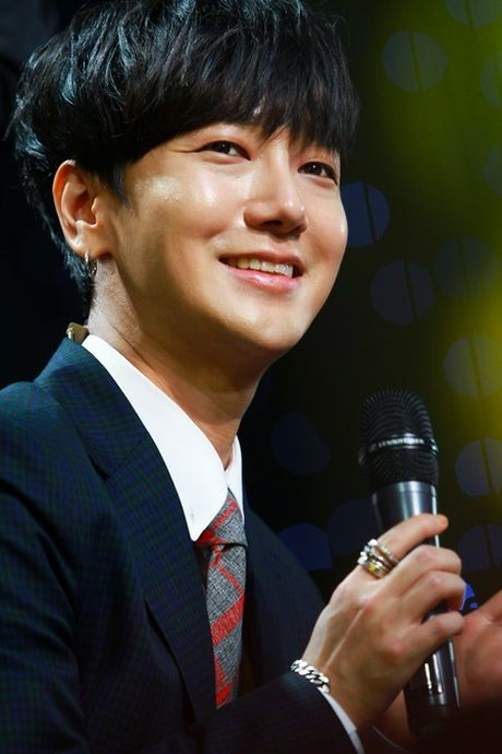 Thanh vien Super Junior lam ca si va khan gia Viet dieu dung - Anh 10