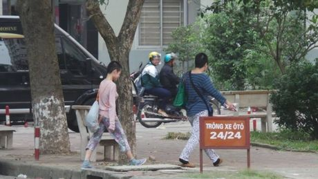 Su that vu me 'nhot' con gai khong cho di hoc (8): Luat su tung 'giai cuu' be gai len tieng - Anh 2