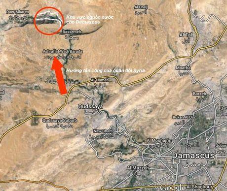 Quan doi Syria tan cong buc hang phien quan ngoai vi Damascus (video) - Anh 1