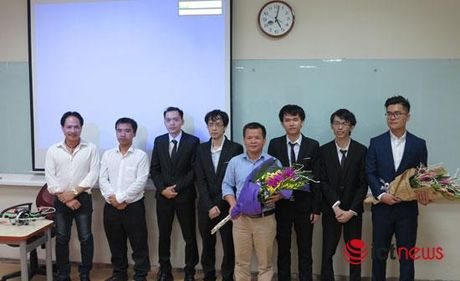 Sinh vien FPT che tao 'may bay selfie' giup selfie tu tren cao bang smartphone - Anh 2