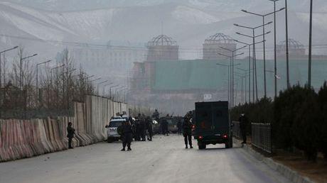 UAE xac nhan 5 nha ngoai giao thiet mang trong vu danh bom o Afghanistan - Anh 1