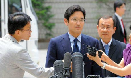 Be boi Choigate: Nguoi thua ke Samsung bi coi la nghi pham - Anh 1