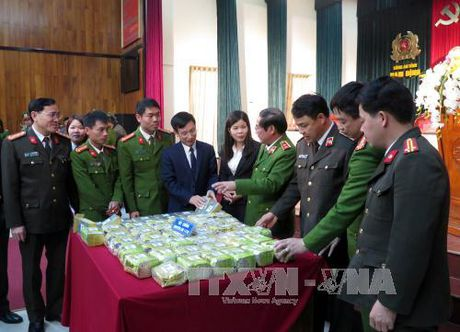 Bieu duong cac don vi bat giu ma tuy tai Nam Dinh - Anh 1