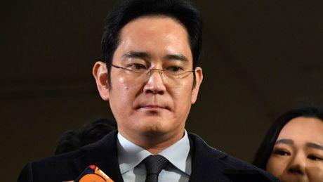CHINH THUC: Pho chu tich Samsung, Lee Jae Yong bi bat - Anh 1