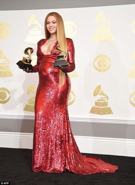 Be bung bau, Beyonce van khong quen khoe vong 1 goi cam - Anh 7