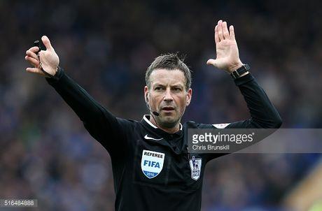 Trong tai bat chinh tran chung ket Euro 2016 chia tay Premier League - Anh 2