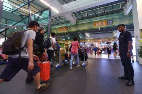 Malaysia siet chat an ninh san bay sau cai chet cua anh trai ong Kim Jong-un - Anh 1