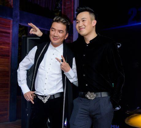 Dam Vinh Hung va Duong Trieu Vu than thiet o su kien - Anh 3