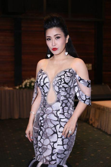 Dam Vinh Hung va Duong Trieu Vu than thiet o su kien - Anh 4