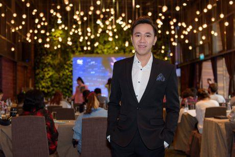 Dam Vinh Hung va Duong Trieu Vu than thiet o su kien - Anh 6