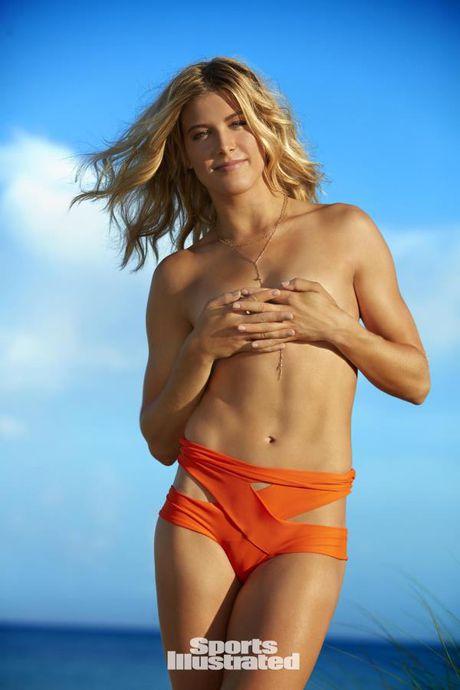 Eugenie Bouchard khoe duong cong NONG BONG trong bo anh ban nude - Anh 2