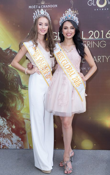 Sieu mau Ha Anh goi cam ben Hoa hau Toan cau 2016 den Viet Nam - Anh 3