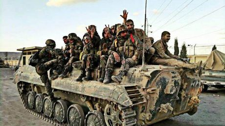 Quan doi Syria dap tan cuoc tan cong cua phien quan tai Damascus - Anh 1