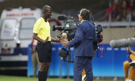 FIFA treo coi vinh vien trong tai ban do o vong loai World Cup - Anh 1