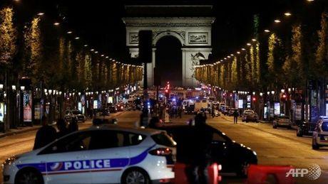 Thu tuong Phap cao buoc ung vien Le Pen loi dung vu tan cong Paris - Anh 2