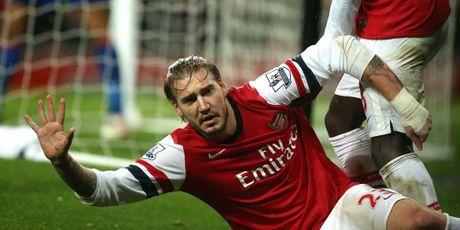 O Rosenborg, Lord Bendtner duoc dong doi ton tho len tam cao moi - Anh 1