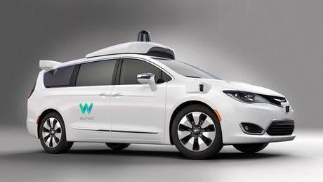 CEO cua Uber dat ca van menh vao cong nghe xe tu lai - Anh 1