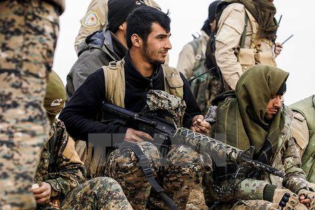 My chuan bi cung cap vu khi chong tang cho nguoi Kurd - Anh 1