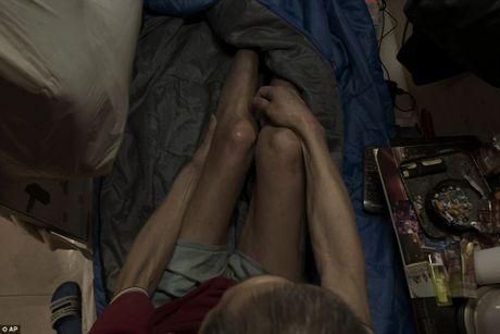 Chum anh moi nhat ve nhung 'can ho quan tai' gay am anh o Hong Kong - Anh 11