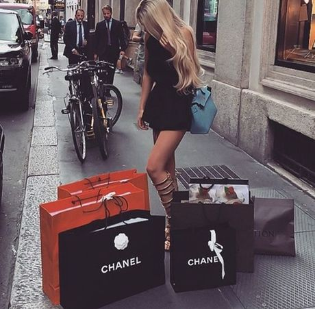 Tu bo shopping 1 nam, cuoc doi toi da thay doi! - Anh 1