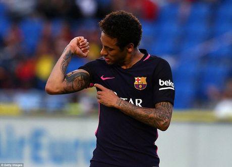Diem tin sang: Neymar 'nhan nhu' M.U, Chelsea; Barca co tan HLV? - Anh 1