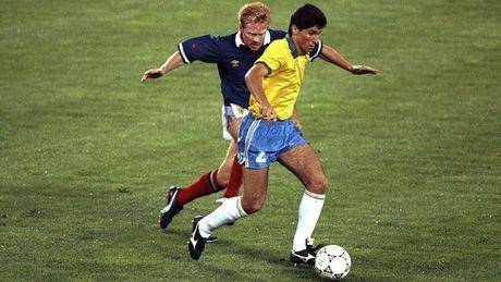Maradona, Casillas va nhung cau thu tung vo dich ca World Cup lan U20 World Cup - Anh 4