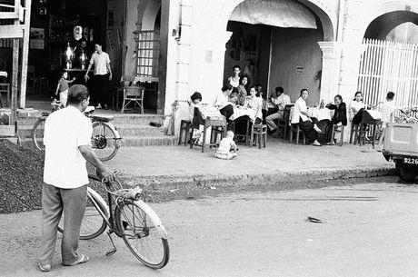 Anh doc ve hang rong via he Sai Gon nam 1959 - Anh 9