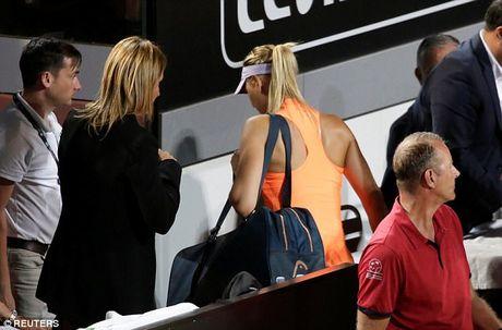 Dinh chan thuong, Sharapova rut lui khoi Italia mo rong - Anh 1
