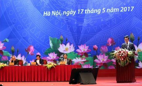 Thu tuong Nguyen Xuan Phuc: Nam nay la nam giam phi cho doanh nghiep - Anh 5