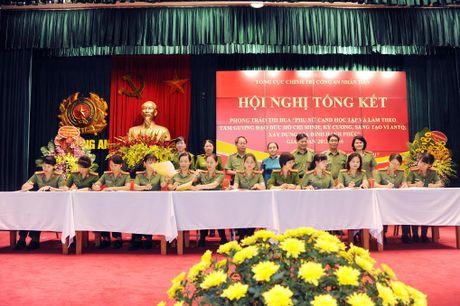 Phu nu Cong an nhan dan doi moi phong trao thi dua - Anh 1