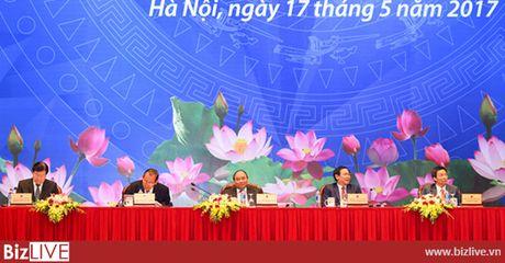 Doanh nghiep phan anh voi Thu tuong: 'Can bo di choi qua nhieu, it de y cong viec' - Anh 1