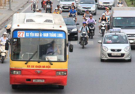 De xuat cho xe buyt duoi 17 cho hoat dong nhu taxi o do thi lon - Anh 1