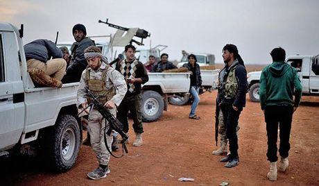 Syria: Phao binh khung bo doi hoa luc vao vung an toan o Aleppo - Anh 1