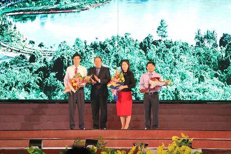 Dem khai mac doc dao chao don 'Thang Du lich An Giang nam 2017' - Anh 4