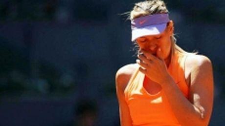 Sharapova lo hen Roland Garros 2017 - Anh 1