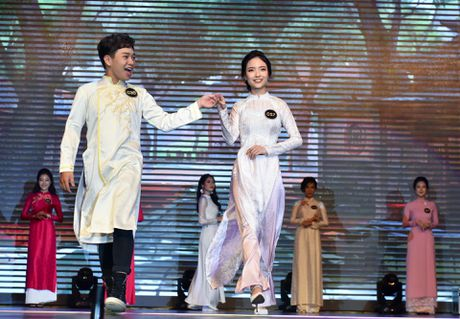 'Ong trum, me chong kho tinh' cham thi cho sinh vien Thang Long - Anh 7