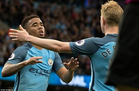 Ket qua tran Man City vs West Brom: 2 phut tao buoc ngoat - Anh 1