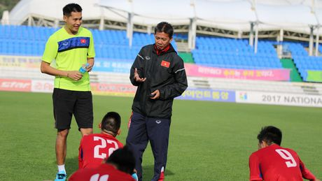 Chieu nay U20 Viet Nam chot danh sach: Triu long ke o, nguoi di - Anh 2
