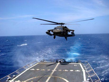 Can canh truc thang sat thu dieu hau den UH-60 Black Hawk cua My - Anh 11