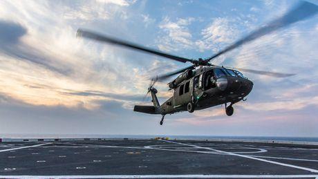 Can canh truc thang sat thu dieu hau den UH-60 Black Hawk cua My - Anh 12