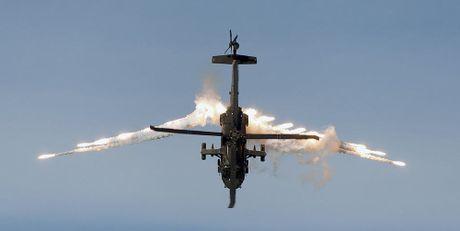 Can canh truc thang sat thu dieu hau den UH-60 Black Hawk cua My - Anh 8