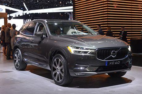 Crossover hang sang Volvo XC60 moi 'chot gia' 1,3 ty - Anh 1