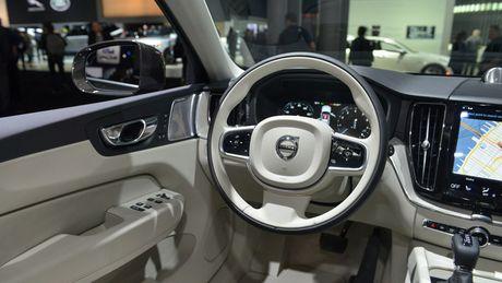 Crossover hang sang Volvo XC60 moi 'chot gia' 1,3 ty - Anh 4