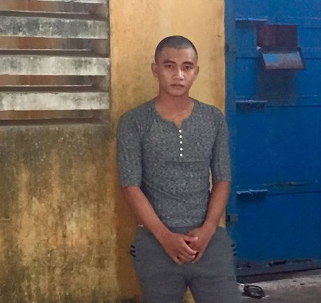Quang Nam: Thanh nien chem nguoi vi... nan nhan giong nguoi tung gay han - Anh 1