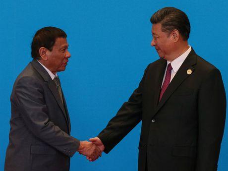 Ong Tap Can Binh canh bao ong Duterte ve chien tranh o Bien Dong - Anh 1