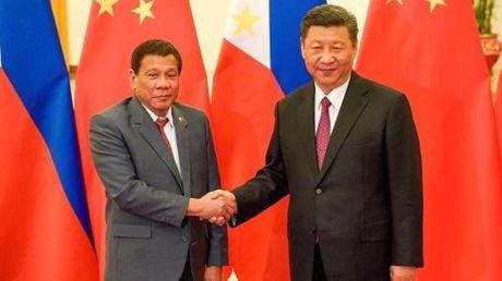 Ong Duterte: Ong Tap doa chien tranh tren bien Dong - Anh 1