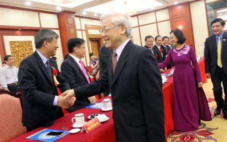 Tong Bi thu gap mat cac dai bieu 'Vinh quang Viet Nam' - Anh 1