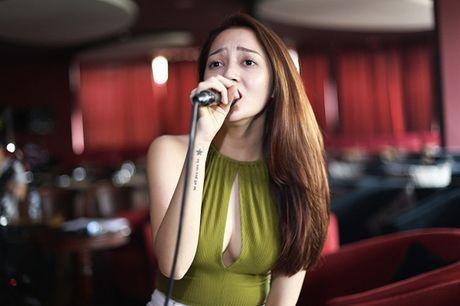 Duong cong Bao Anh nong ray the nay, bao sao Ho Quang Hieu khong me - Anh 23