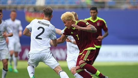 U20 Duc thua soc Venezuela o tran ra quan U20 World Cup - Anh 1