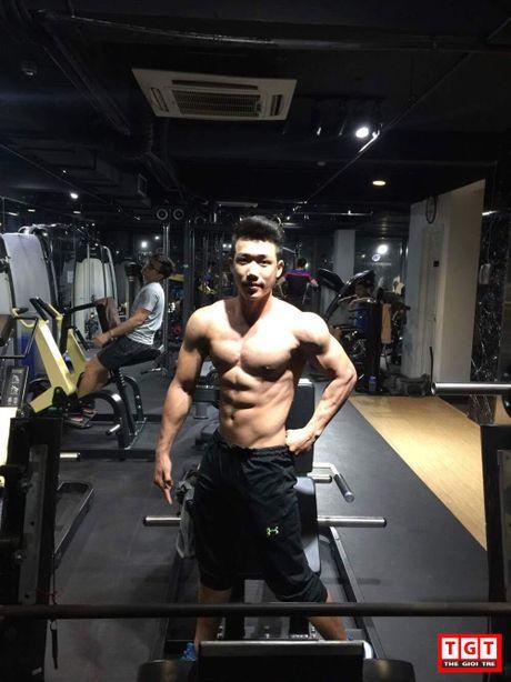 Chang trai tre quyet tap bung 6 mui de het bi coi thuong - Anh 2